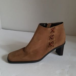 Etienne Aigner Leather Ankle Boots Saddle Size:6.5